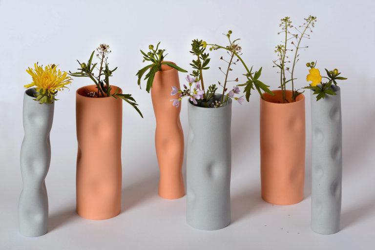 V A   S E Vase aus Porzellan